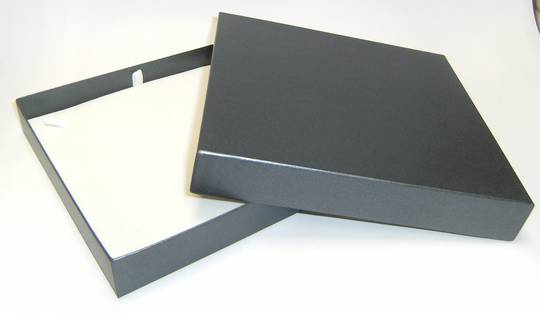 CB20 - NECKLACE BOX CARDBOARD CHARCOAL WHITE PAD
