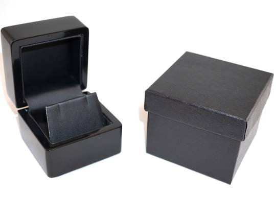 SMALL EARRING BOX GLOSS BLACK WOOD BLACK FLAP