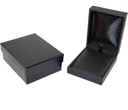 IMP PREMIUM - PENDANT/DROP EARRING BOX IMITATION LEATHER BLACK BLACK VINYL PAD & OUTER BOX