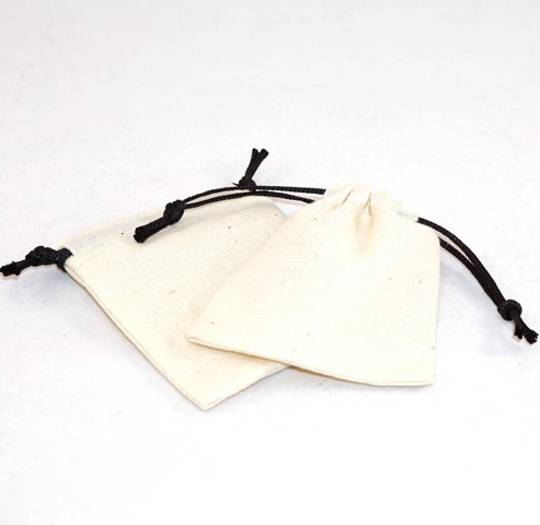 SMALL CALICO POUCH CREAM/BLACK CORD 70 X 80MM