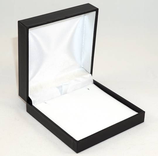 SDLP - LARGE PENDANT/EARRING BOX LEATHERETTE BLACK NO LINE WHITE VELVET PAD BULK DEAL (24 PCS)