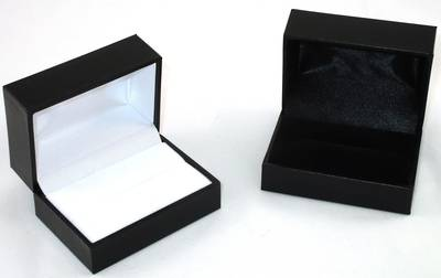 SDR2 - DOUBLE RING OR CUFFLINK BOX LEATHERETTE BLACK NO LINE WHITE PAD