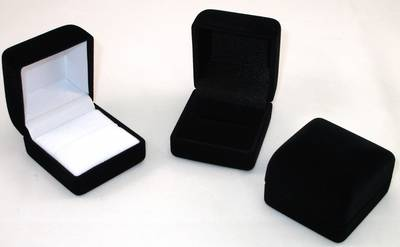 SSR1 - RING BOX BLACK FLOCK BLACK DELUXE VELVET PAD
