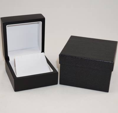 EARRING BOX MATT BLACK WOOD WHITE FLAP