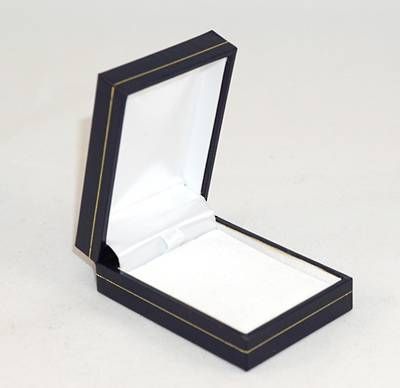 SDSP - SMALL PENDANT/EARRING BOX LEATHERETTE NAVY WHITE PAD