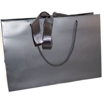MEDIUM BLACK LAMINATED CARRY BAG WITH BLACK ROPE HANDLES & RIBBON TIE