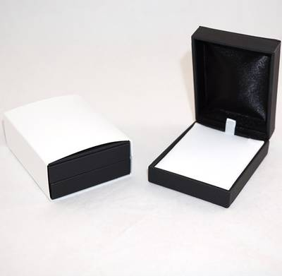 IMP PREMIUM - PENDANT/DROP EARRING BOX IMITATION LEATHER BLACK TWO TONES INSERTS & OUTER SLEEVE