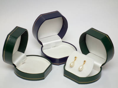OVPFLFG - PENDANT/EARRING BOX LEATHERETTE GREEN WHITE FLAP