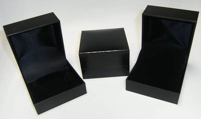 SC5 - BANGLE BOX LEATHERETTE BLACK NO LINE BLACK C CLIP