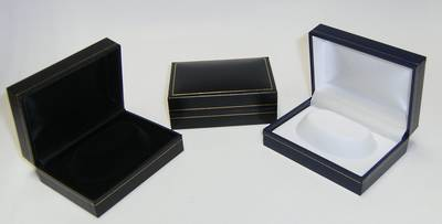 SC14 - BRACELET BOX LEATHERETTE NAVY WHITE ISLAND