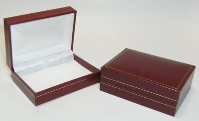 SC14 - PENDANT / BROOCH BOX LEATHERETTE MAROON WHITE PAD