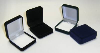 SSE - MEDIUM PENDANT BOX BLACK FLOCK BLACK PAD