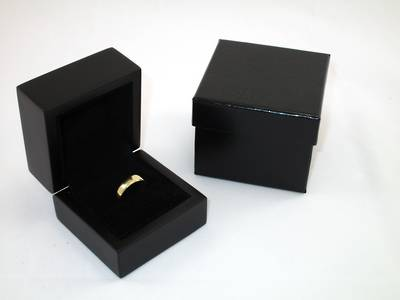 SMALL RING BOX MATT BLACK WOOD BLACK SUEDE PAD